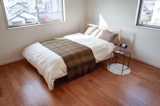 寝室ベッド